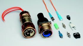 Connecteurs enfichables à fibres optiques